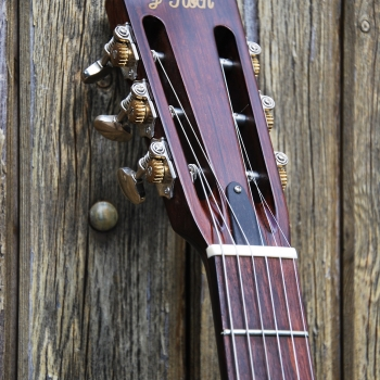 Leone-parlor-hollow-body-yohann-koch-luthier-guitar-2