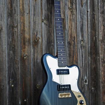 Yohann-Koch-Luthier-Guitare-Vintage-Offset-Jazz-Master-Victoriane-10